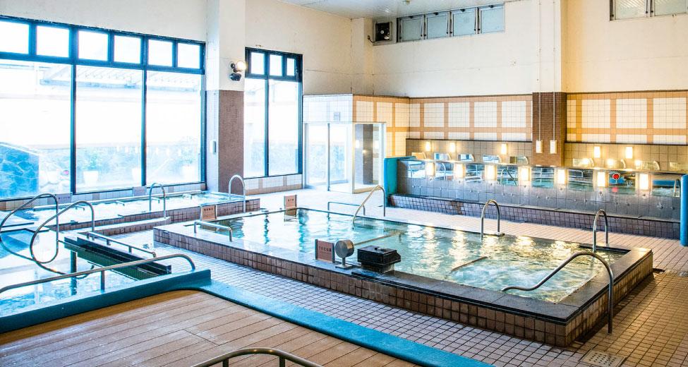 令人悠閒放鬆的大浴池